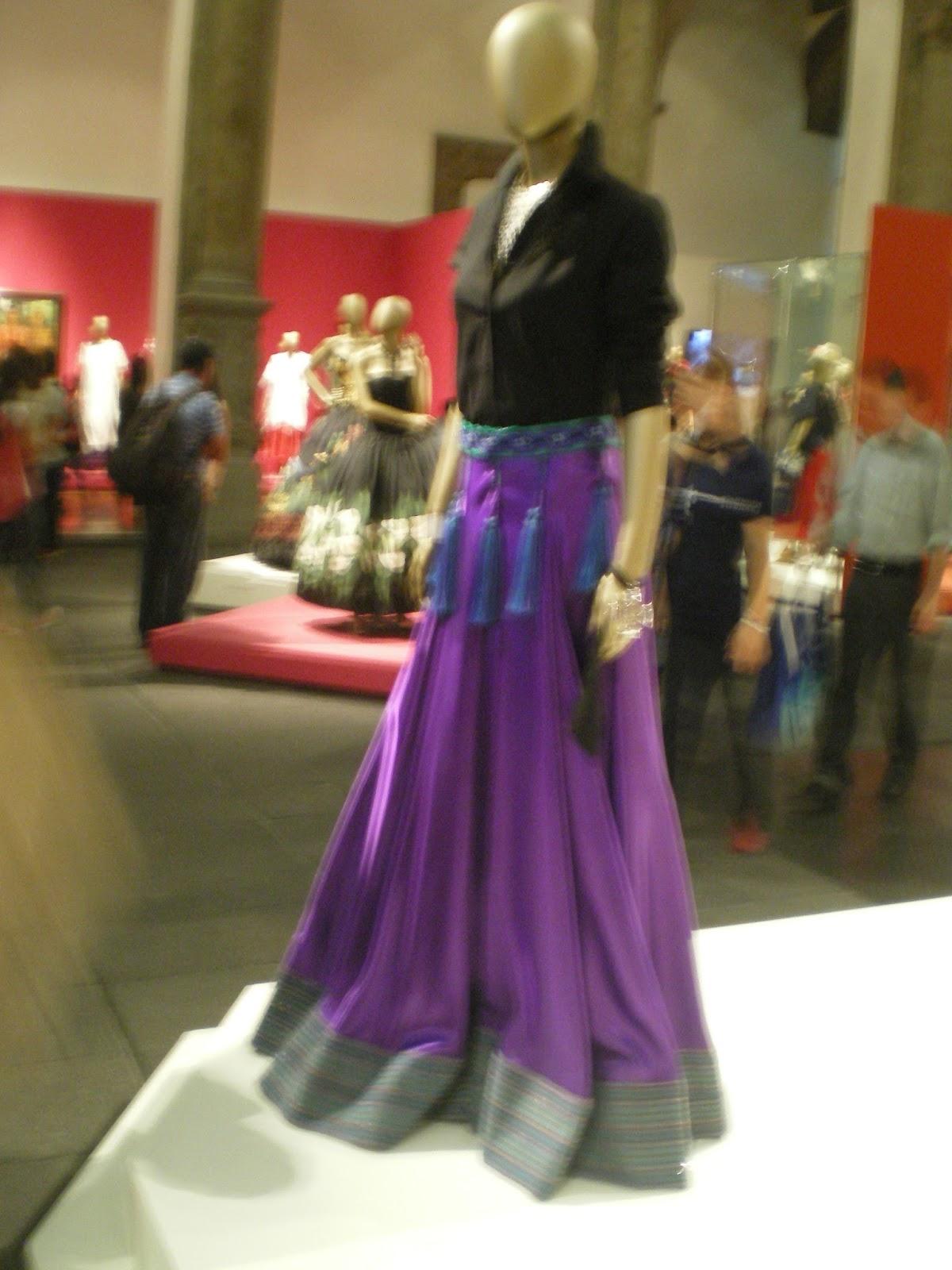 75 años de moda mexicana, de lo tradicional a lo internacional ...