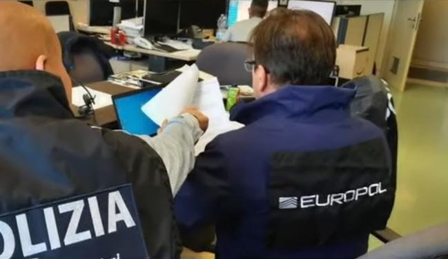 Cyber-riciclaggio e truffe on line: 18 arresti tra Italia e Spagna
