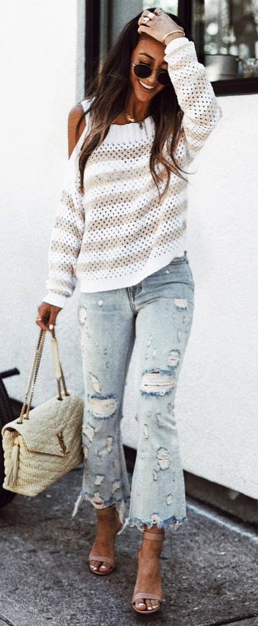how to wear ripped jeans : white sweater + bag + heels