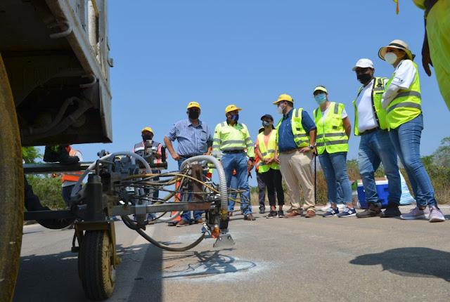 Constatan autoridades de la SCT calidad de pintura base agua de alto rendimiento
