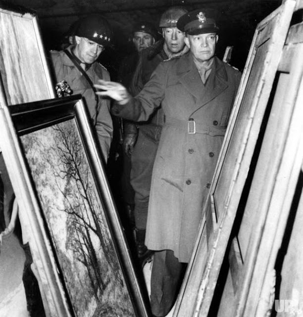 Generals Eisenhower, Bradley, and Patton look at stolen art worldwartwo.filminspector.com