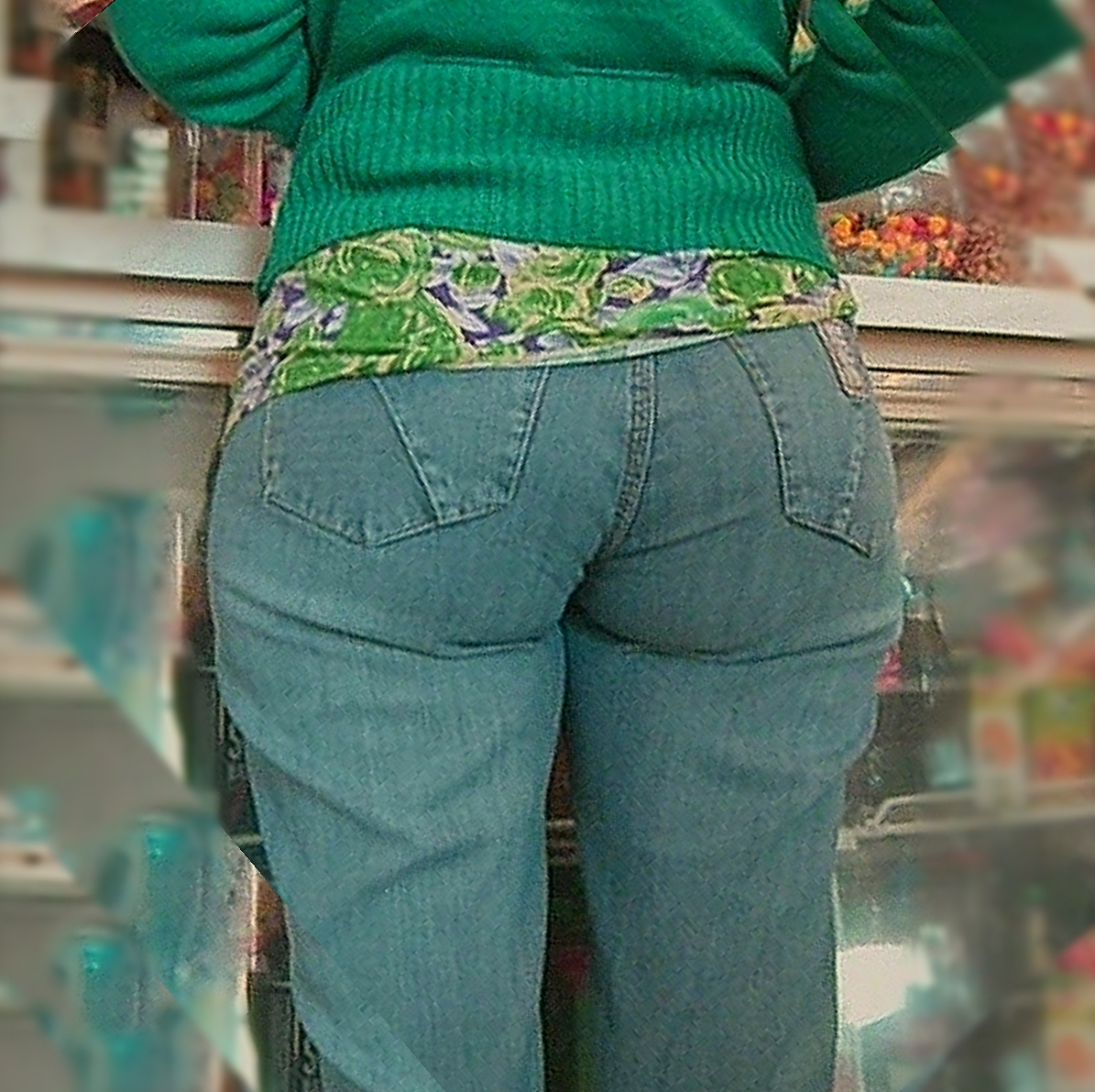 Pawg milf tight jeans vpl