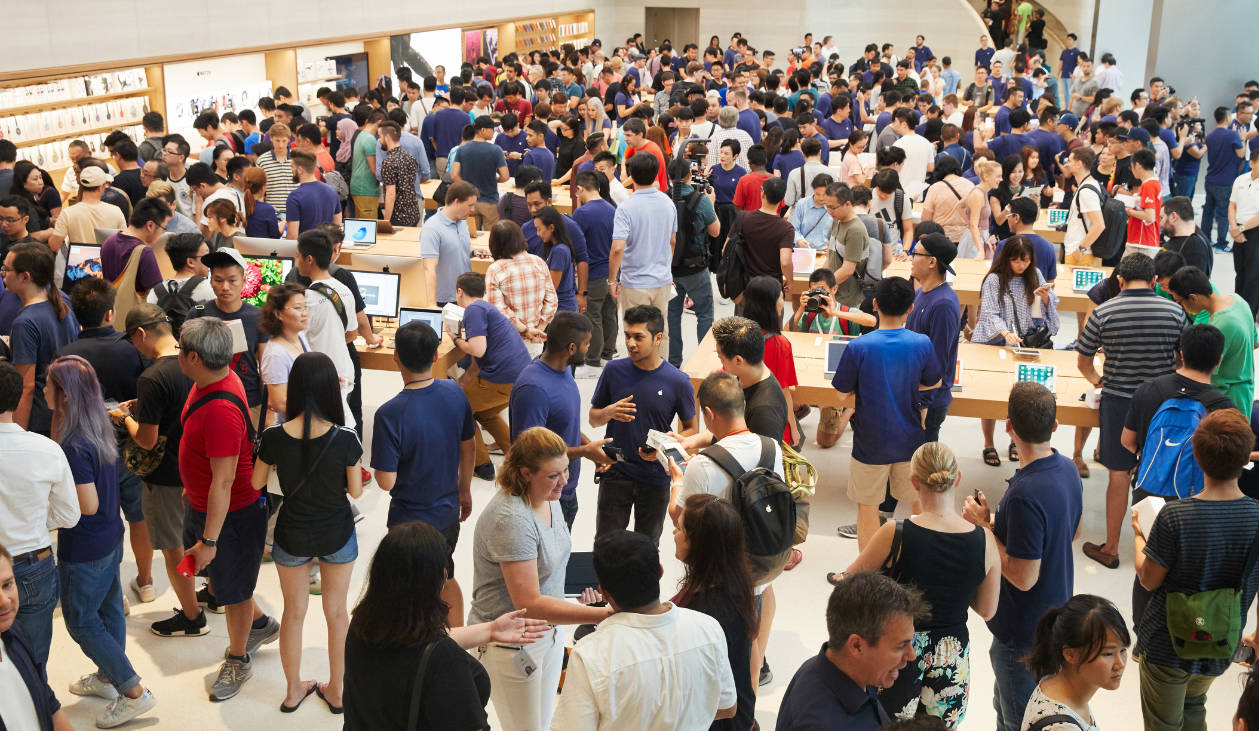 Apple Store Staff Asia