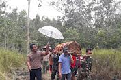 Personel Pamtas RI-PNG Yonif 411 Kostrad Bantu Pemakaman Warga Kampung Baidub