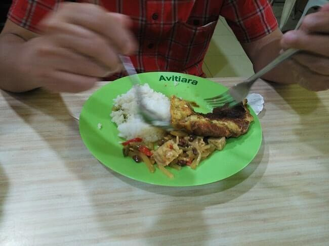 menu makanan rumah makan di bandara soekarno hatta