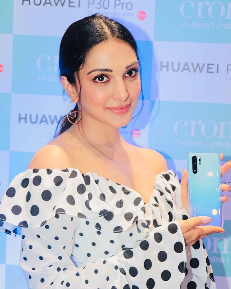 Top Class Heroine Kiara Advani Instagram Pics.