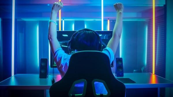 Ingin Menjadi Seorang Youtuber Gaming Profesional? Kamu Wajib Siapkan 7 Peralatan Penting Ini!
