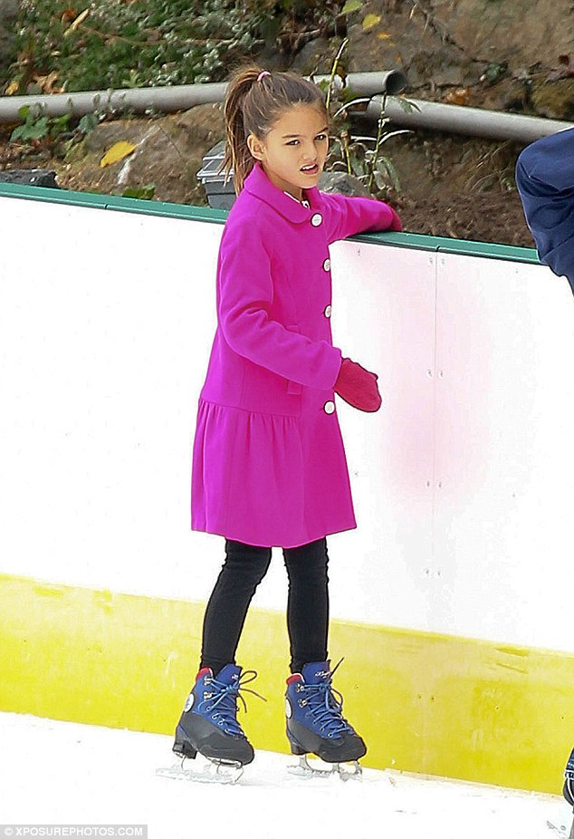 Tom Cruise's, Daughter Suri, Looks Grown And Pretty In Pink