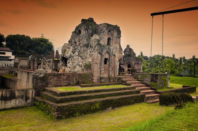 Sore di Goa Sunyaragi Cirebon