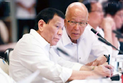 Lorenzana nagbigay ng mga katangian ni Duterte:  He's very old school. He still uses an old analog phone