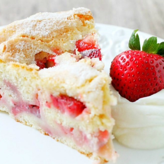 French Strawberry Cake #fruitdesserts #cake