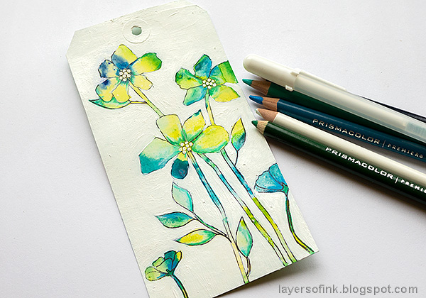 Layers of ink - Flowers on white background tutorial by Anna-Karin Evaldsson. Add details with colored pencils.