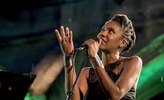 La vocalista caribeña Tricia Evy en el Auditorio de Castellón - España / stereojazz