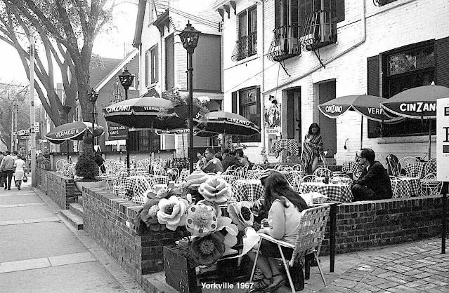 Toronto 1967 Yorkville, a photograph