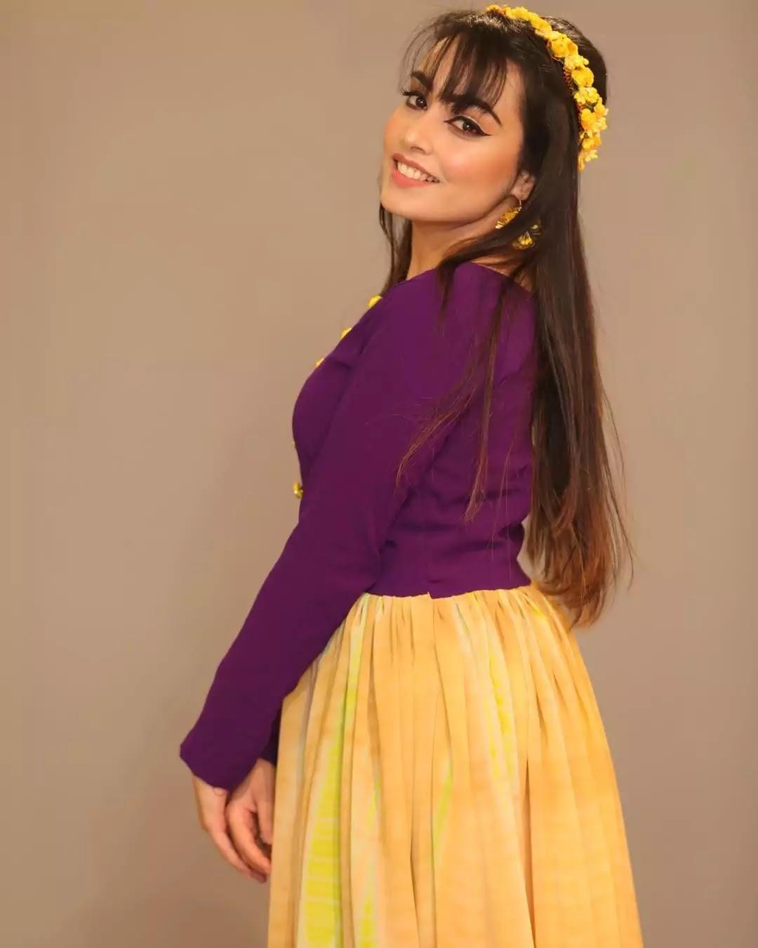 Barbie Maan Photos