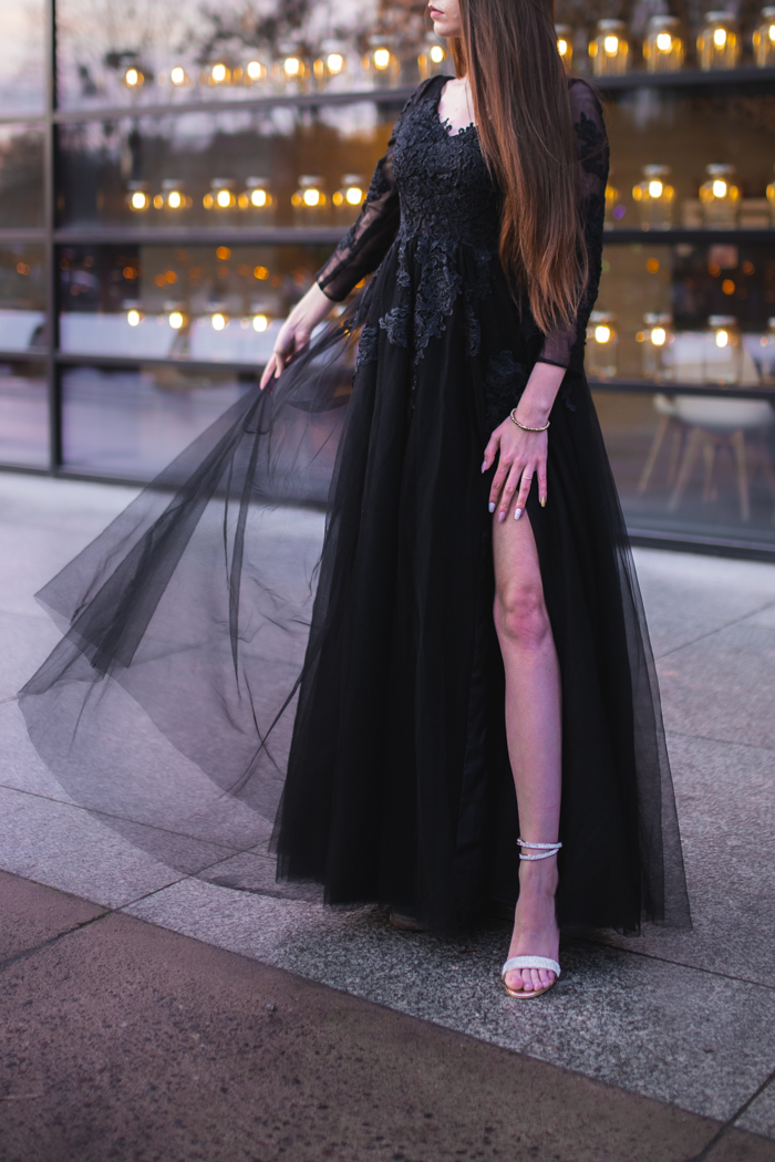 elegancka czarna suknia