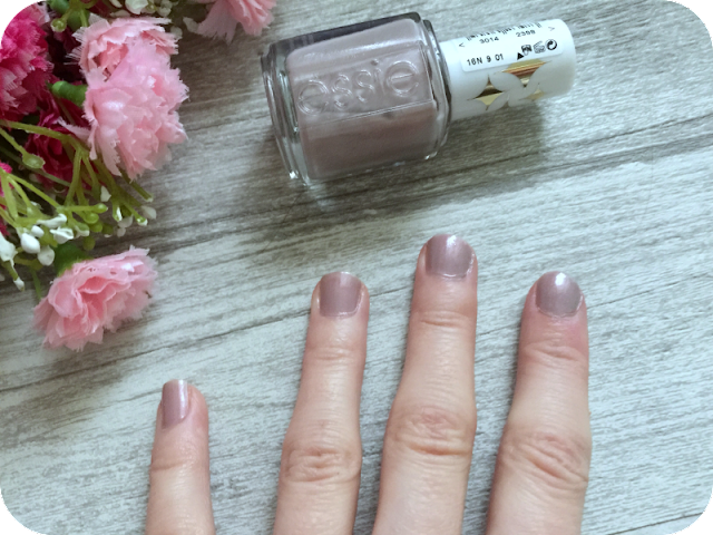 essie nail varnish sweet tart