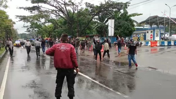 2 Ormas Bentrok di Kota Sukabumi, Jalur Lingkar Selatan Memanas!