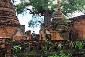 Le Htat Gyi Praya: Restos de la antigua ciudad de Ava