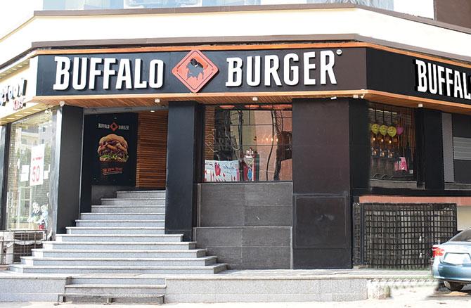 منيو وفروع وأرقام توصيل مطعم بافلو برجر Buffalo Burger 2020