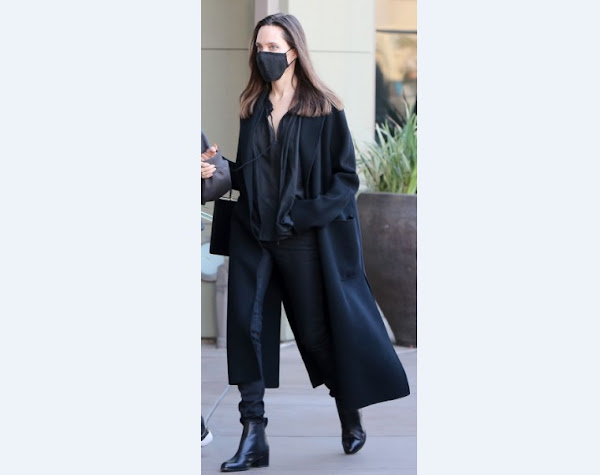 Angelina Jolie seen in all black classy outfit going shopping with daughter - News