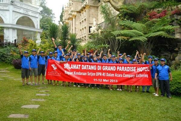 Halaman Hotel Grand Paradise Lembang.jpg