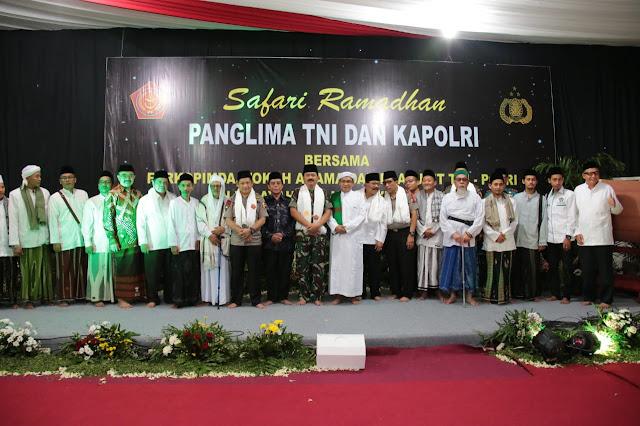 Panglima TNI dan Kapolri Bersama Ulama Jawa Timur