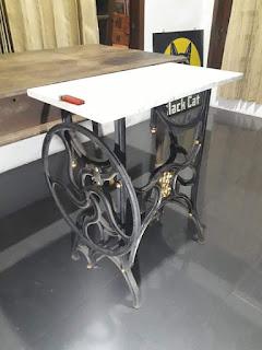 Lapak Barang Antik Meja kaki mesin jahit top marmer