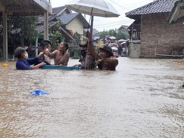 Ratusan Rumah di 8 Kecamatan di Kabupaten Lebak Diterjang Banjir