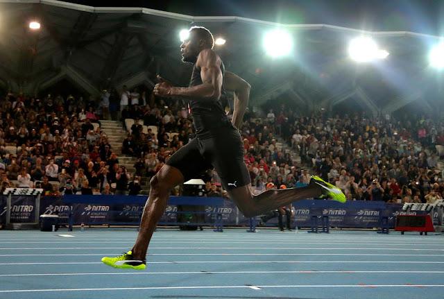 Bolt gana en los 150 mts en Melbourne