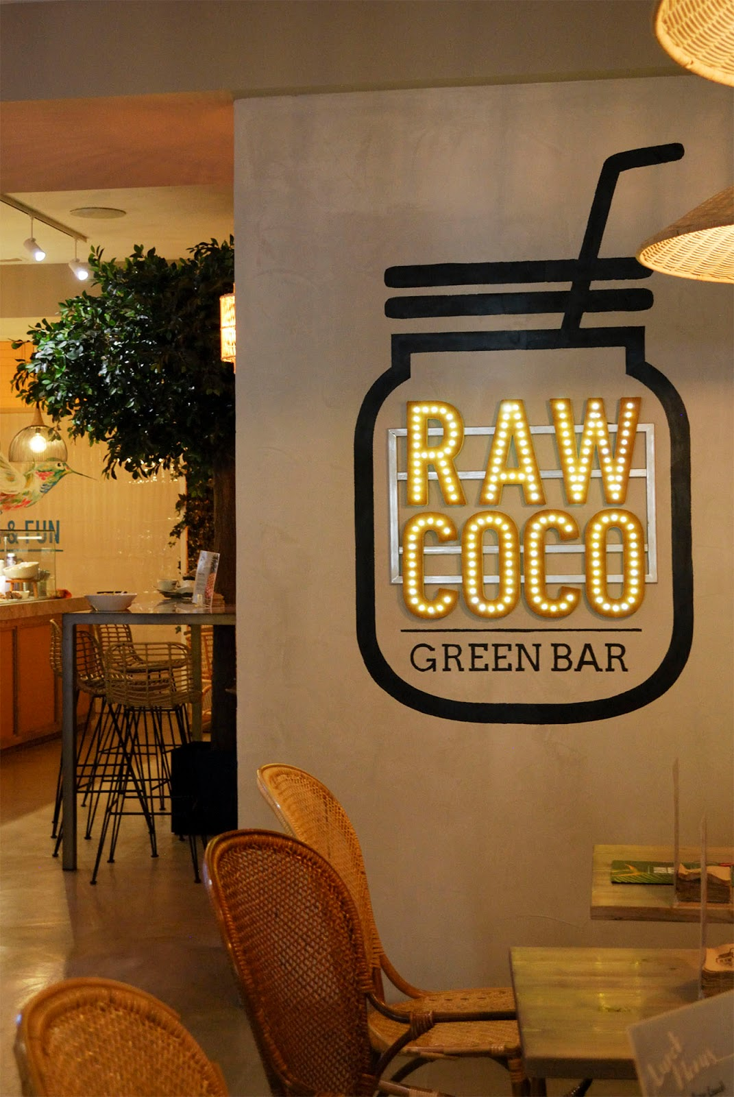 raw coco breakfast brunch madrid healthy restaurant cafe juice açai bowl smoothie