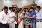 MP Kavitha Launches Jeelakarra Bellam Audio-thumbnail-6
