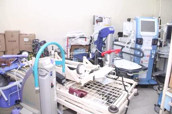 @GovernorIkpeazu Receives Another Shipment Of Medical Supplies From UK