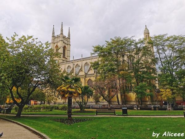 St-Luke's-Church-Chelsea-London