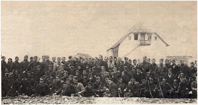 """""""Leteći bataljon"""" na okupu posle jedne od mnogih uspešno izvedenih akcija"""