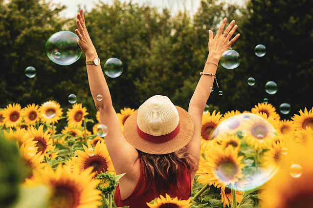 10 WAYS TO BE HAPPY WHEN YOU DON'T WAN'T TO BE
