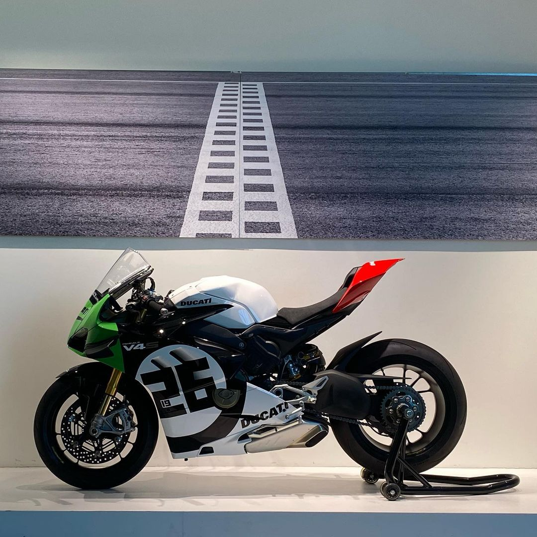 Ducati V4 Panigale - Page 24 210828785_510145373626899_8184324724400913357_n