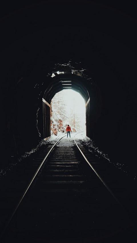 Đường Hầm Ray Xe Lửa