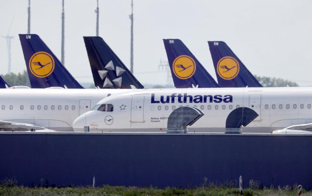 Lufthansa To Lay Off 22,000 Employees
