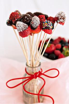 клубника, клубника в шоколаде, шоколад, глазурь, ягоды, десерты ягодные, десерты клубника, клубника рецепты, десерты из клубники, самые вкусные клубничные десерты, что можно сделать из клубники, ягодный десерт, клубника в глазури, десерт из свежих ягод, рецепты из клубники, клубника в шоколаде в домашних условиях, клубника в шоколаде на подарок, букет из клубники, букет из ягод, подарки на 5 марта, подарки на день влюбленных, ягоды в шоколаде, клубника в шоколаде мастер класс, как делать клубнику в шоколаде на продажу, клубника в шоколаде в домашних условиях, букет из клубники в шоколаде, торт клубника в шоколаде, клубника сладкоежка, фрукты в шоколаде, Варенье «Клубника в шоколаде», Как приготовить клубнику в шоколаде, Клубника в белом шоколаде и кокосовой стружке, Клубника в белом шоколаде и темных шоколадных чипсах, Клубника в глазури для романтического свидания, Клубника в розовом шоколаде на шпажках, Клубника в смокинге, Клубника в темном шоколаде, Клубника в шоколаде, Клубника в шоколаде «Божьи коровки» на День, Влюбленных, Клубника в шоколаде и хрустящем арахисе, Клубника в шоколаде на Хэллоуин,, Клубника в шоколаде с карамельными фигурками, Клубника в шоколаде Санта-Клаус, Клубника в шоколадном корсете, Клубника в шоколадных лодочках, Клубничные букеты — идеи, Клубничный шоколадный букет, Красивое оформление клубники в шоколаде, «Мраморная» клубника, «Услада для романтиков» — клубника в глазури, «Шляпа ведьмы» — клубника в шоколаде, Шоколадно-клубничные сердечки,клубничные, ягоды в глазури, десерты, сладости, глазурь шоколадная, блюда из клубники букеты клубничные, букет из клубники. букет ягодный, букет фруктовый, праздничный стол http://eda.parafraz.space/