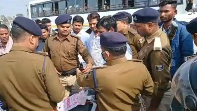 Bihar Crime: मधुबनी के बासोपट्टी बाजार के किराना व्यवसायी के घर लाखों की लूट, नकाबपोश अपराधियों ने वारदात को दिया अंजाम