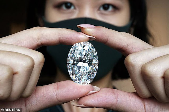 viên kim cương thô nặng 271 carat