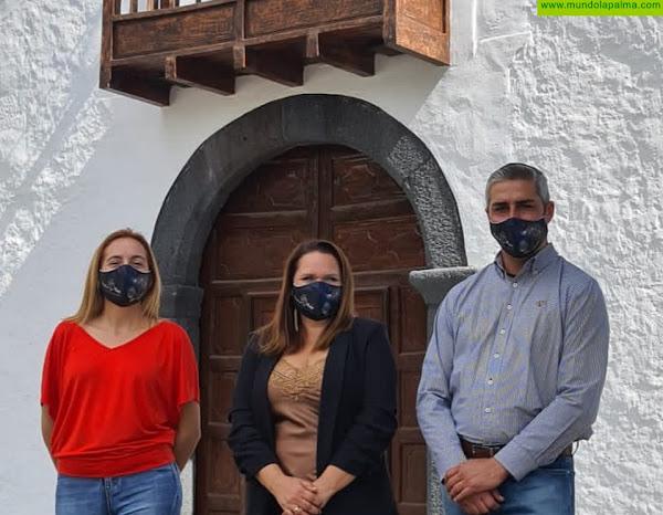 """Yessica Pérez: """"Los vecinos de la Montaña de la Breña siguen sufriendo los socavones de la carretera por la dejadez en la gestión"""""""