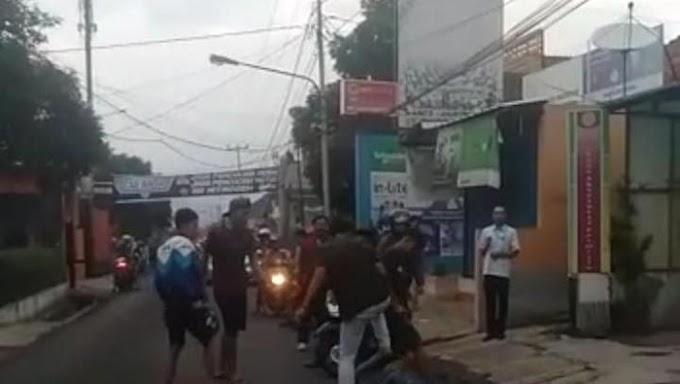 Aksi Barbar Sekelompok Orang Keroyok-Lindas Pria di Sumedang