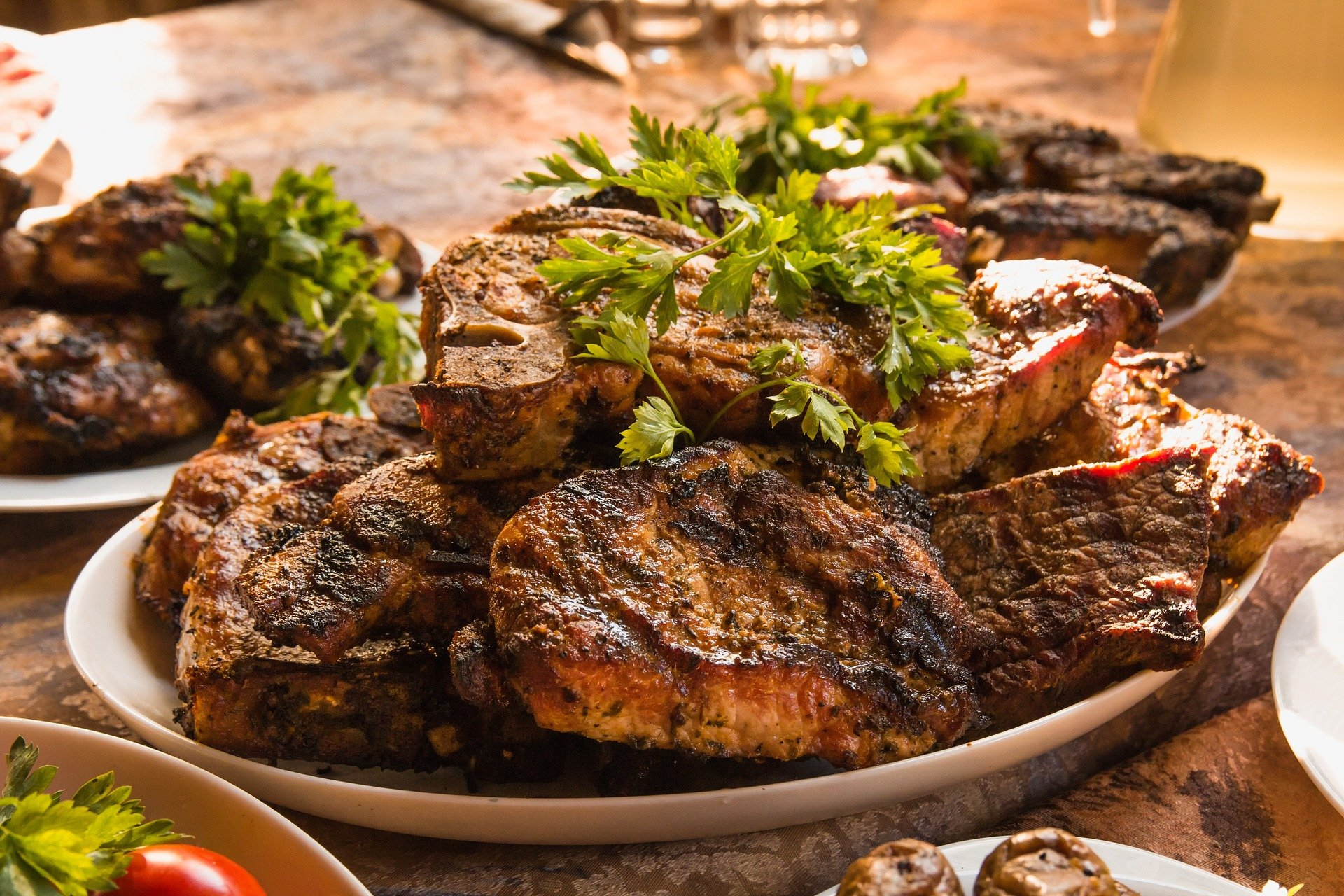 Begini Cara Bikin Steak Daging Sapi Rumahan, Yang Mudah Dan Enak - www.radenpedia.com