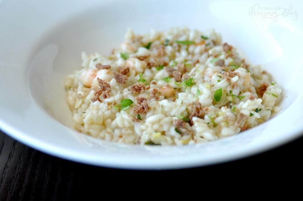 Cytrynowe risotto z krewetkami i bottargą.