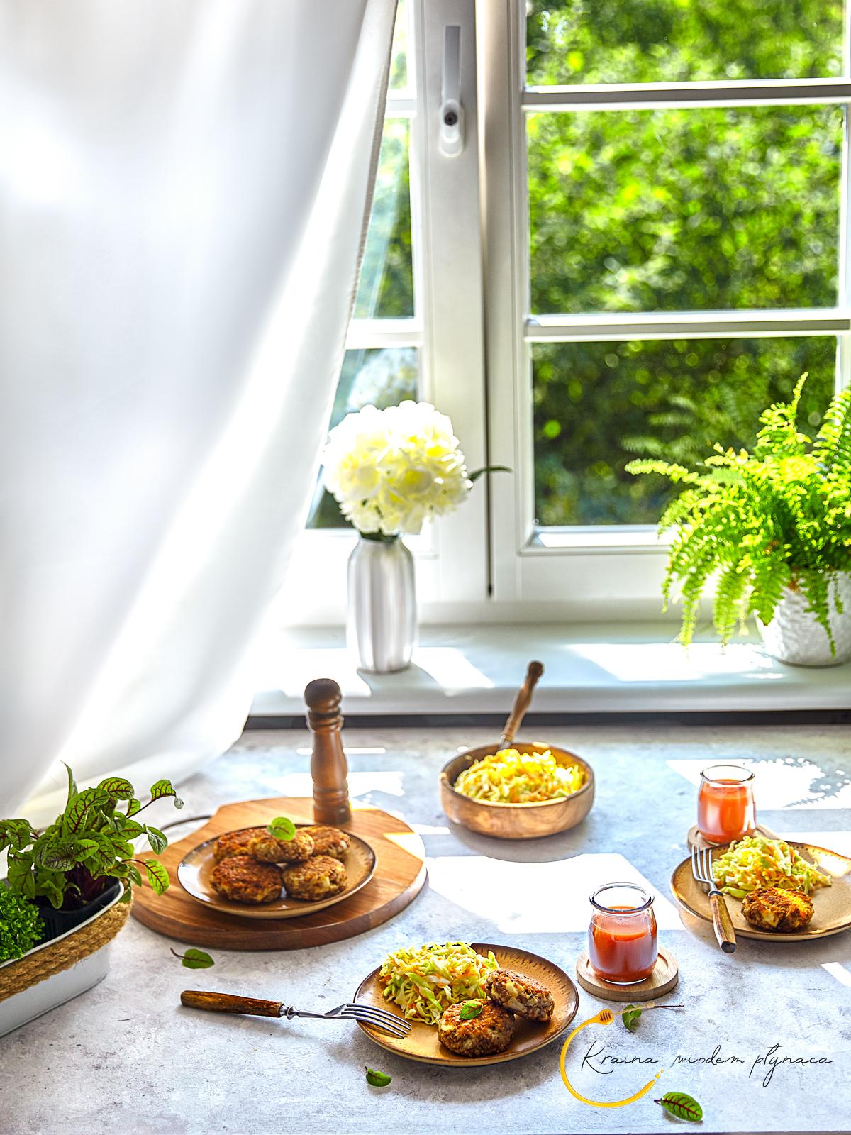 hreczniaczki, hreczniaki, hereczniaki, wegetariańskie danie, wegetariańskie kotlety, kotlety bez mięsa, kotlety z kaszy gryczanej i twarogu, kotlety z kaszą gryczaną, kotlety z twarogiem, kuchnia polska, kraina miodem płynąca