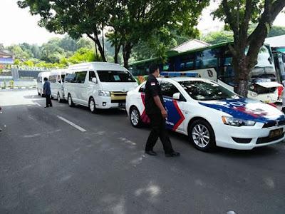 Patwal Polisi BRI City Tour Menggunakan Armada HIACE 3 Unit Adi Rental Mobil