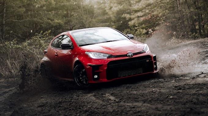 Plano de Fundo HD Carro Vermelho Toyota