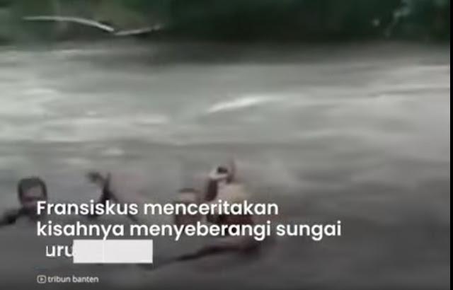 Kisah Guru di Sumba Rela Lawan Arus demi Antar Tugas Siswa, Jalan Kaki Sejauh 4 Kilometer